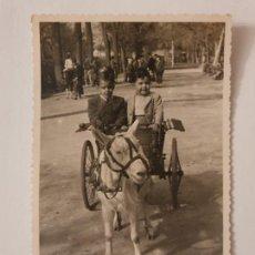 Postales: BARCELONA - CARRETA PARA NIÑOS TIRADA POR UNA CABRA - 1946 - P50637. Lote 261143190