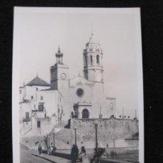 Postales: SITGES-TEMPLO PARROQUIAL-FACHADA-FOTOGRAFICA ORIOL-1-POSTAL ANTIGUA-(80.319). Lote 261609115
