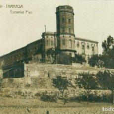 Postales: TARRASA. ESCUELAS PIAS. FOTOGRÁFICA. CIRCULADA HACIA 1920.. Lote 261862270