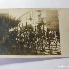 Postales: MAGNIFICA ANTIGUA FOTOS TARJETA POSTAL FIESTA MAYOR DE ESPARRAGUERA CICLISTAS FECHADA 1931. Lote 266885654