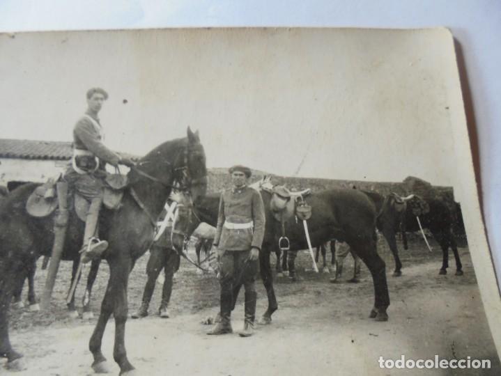 Postales: magnifica antigua fotos tarjeta postal militares alrededores de esparraguera 1930 - Foto 2 - 266885769