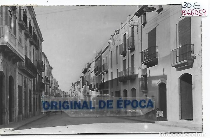 (PS-66059)POSTAL DE TORREDEMBARRA-CALLE ANTONIO ROIG (Postales - España - Cataluña Moderna (desde 1940))