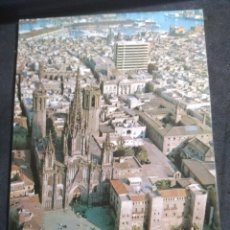 Cartoline: POSTAL * BARCELONA ,CATEDRAL , BARRI GÓTIC * VISTA EN HELICOPER - 1965. Lote 278945693