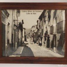 Postales: FOTOGRAFIA POSTAL CULERA (PROV. GERONA) CALLE DE MAR. MARCO DE MADERA. COLERA GIRONA. Lote 280804553
