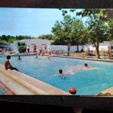 Postais: POSTAL * FIGUERES , PISCINA DEL CAMPING LA FESCA *1965. Lote 288038163
