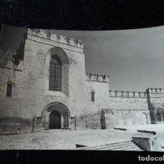 Postales: MONASTERIO DE SANTAS CREUS - Nº 23 - FACHADA PRINCIPAL DE LA IGLESIA, FOT. RAYMOND. Lote 288662218