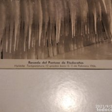 Postales: POSTAL ANTIGUA 1956 RIUDECAÑAS BARANDA DEL PANTANO HELADA. Lote 289747558