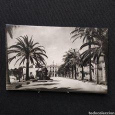 Postales: LLORET DE MAR (COSTA BRAVA) 106 PASEO DEL MAR Y AYUNTAMIENTO FOTO MARTÍNEZ. Lote 292273813