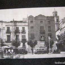 Postais: GANDESA-PLAÇA DEL DUC DE LA VICTORIA-AUTOBUS-POSTAL ANTIGUA-(84.850). Lote 293491453