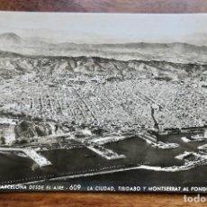 Postales: BARCELONA.DESDE EL AIRE- LA CIUDAD, TIBIDABO Y MONTSERRAT AL FONDO-A. ZERKOWITZ. Lote 293766218