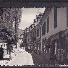 Postales: LES 8 - CALLE DE LOS BAÑOS (VALLE DE ARÁN, LÉRIDA), 1960. Lote 294129988
