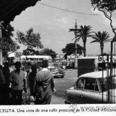 Postales: POSTAL CEUTA UNA VISTA DE UNA CALLE PRINCIPAL DE LA CIUDAD AFRICANA FOT. RUBIO. Lote 17018476