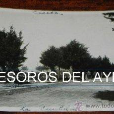 Postales: FOTO POSTAL DE CEUTA, CARRETERA LLAMADA DE LA PUNTILLA UNA NUEVA ENTRADA DE CEUTA, EPOCA DE ALFONSO . Lote 37753889