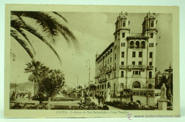 POSTAL CEUTA JARDINES DE SAN SEBASTIÁN Y CASA TRUJILLO CIRCULADA SELLO 1944 (Postales - España - Ceuta Moderna (desde 1940))