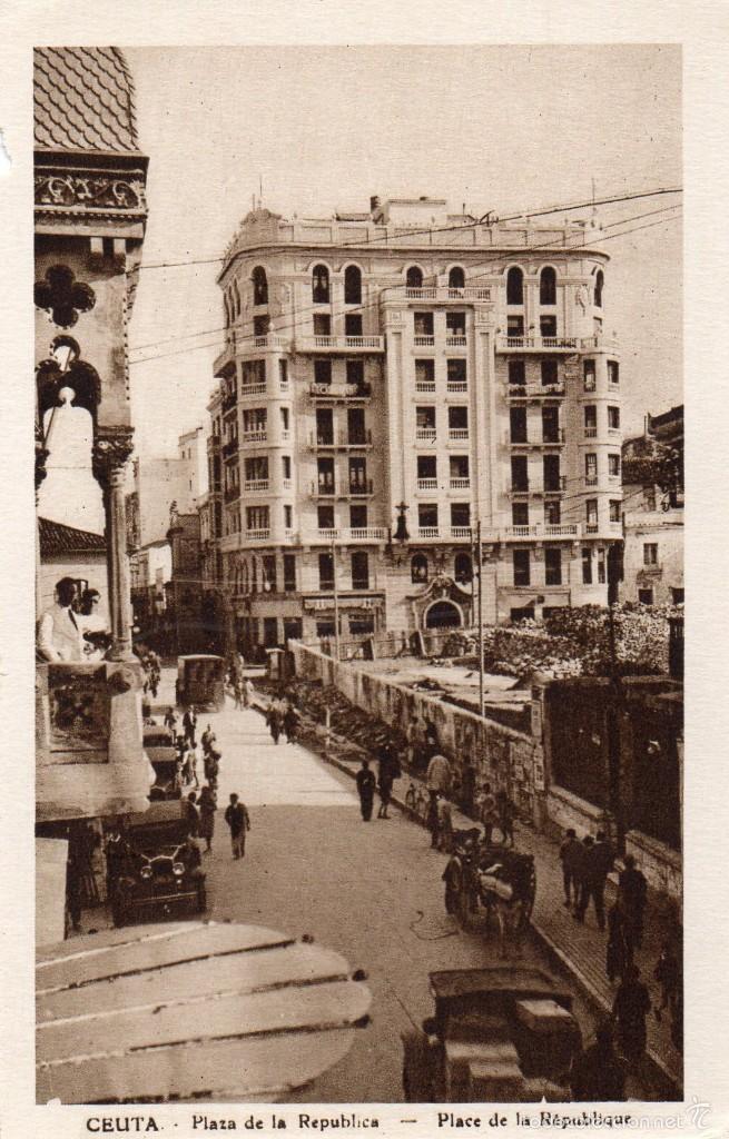 CEUTA -PLAZA DE LA REPUBLICA- AÑOS 30 (Postales - España - Ceuta Antigua (hasta 1939))