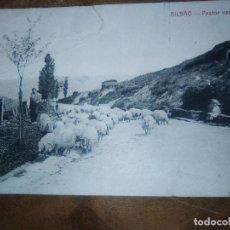 Postales: TARJETA POSTAL BILBAO PASTOR VASCO CIRCULADA 26 DE MAYO 1921 EDICION E.VERDES. Lote 114618915