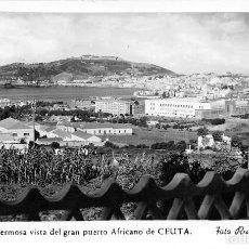 Postales: UNA HERMOSA VISTA DEL GRAN PUERTO AFRICANO DE CEUTA. Lote 128006663