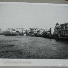 Postales: ANTIGUA FOTOGRAFIA DE CEUTA 1938, MIDE 23 X 18 CMS. VISTA PANORAMICA DE CEUTA, FOTO ROS, PEGADA A CA. Lote 150814762