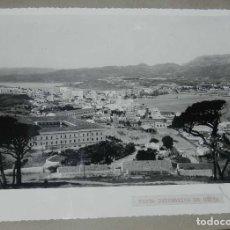 Postales: ANTIGUA FOTOGRAFIA DE CEUTA 1938, VISTA PANORAMICA, MIDE 23 X 18 CMS. FOTO ROS, PEGADA A CARTULINA. Lote 150815234