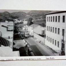 Postales: POSTAL - 126. CEUTA. UNA CALLE TÍPICA DEL BARRIO ARABE - FOTO RUBIO - ESCRITA . Lote 175430825