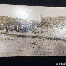 Postales: POSTAL TETUAN 15 1919 INFANTE DON CARLOS Y EL JALIFA REVISTANDO TROPAS MARRUECOS. Lote 196818852