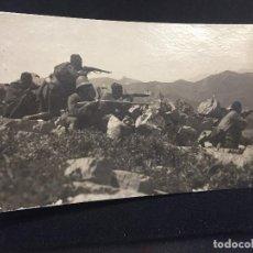 Postales: POSTAL TETUAN TROPA INDIGENA DISPARANDO OFICIAL MARRUECOS TETUAN CAMPAÑA AFRICA . Lote 196818890