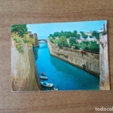 Postales: CEUTA - FOSO SAN FELIPE - 1.970 -CIRCULADA SIN FRANQUEO. Lote 214050340