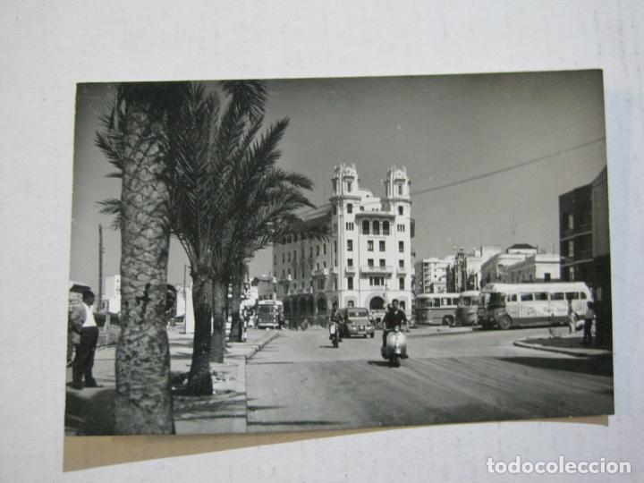 Postales: CEUTA-MOTOS-COCHES-AUTOCARES-POSTAL ANTIGUA-VER FOTOS-(73.541) - Foto 2 - 215391220