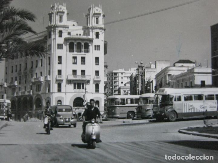 CEUTA-MOTOS-COCHES-AUTOCARES-POSTAL ANTIGUA-VER FOTOS-(73.541) (Postales - España - Ceuta Antigua (hasta 1939))