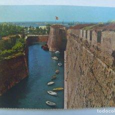 Postales: POSTAL DE CEUTA : MURALLAS PORTUGUESAS, FOSO DE SAN FELIPE . AÑOS 60. Lote 221147570