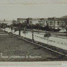 Postales: FOTO POSTAL DE CEUTA. CARRETERA DE TETUAN Y PABELLONES DE REGULARES, N. 31, FOTO RAPIDE, NO CIRCULAD. Lote 261162465