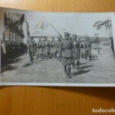 Postales: CEUTA DESFILE DE TROPAS REGULARES POSTAL FOTOGRAFICA AÑOS 30. Lote 276611213
