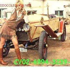 Postales: ANTIGUA POSTAL COCHE ANTIGUO Y CHICA (AÑOS 60) A ESTRENAR*. Lote 187331400