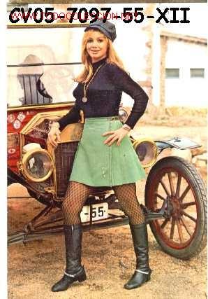 ANTIGUA POSTAL COCHE ANTIGUO Y CHICA (AÑOS 60) A ESTRENAR (Postales - Postales Temáticas - Coches y Automóviles)
