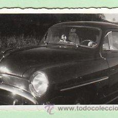 Postales: FOTOGRAFIA DE UN COCHE TOMADA EN 1942. Lote 22835447