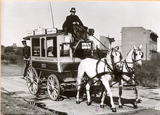 POST 585 - AUTOBUS SERIE 1 - ZWEISPANNIGER PFERDEOMNIBUS BAUJAHR 1897 (Postales - Postales Temáticas - Coches y Automóviles)