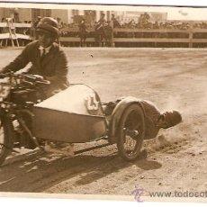 Postales: POSTAL FOTOGRAFICA CARRERA SIDECARS CIRCUITO LEVANTE 1925. Lote 34405347