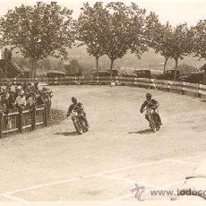 Postales: POSTAL FOTOGRAFICA CARRERA MOTOS SEIS HORAS CIRCUITO CARDEDEU 1930. Lote 34405504