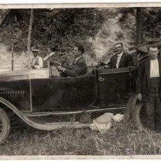 Postales: ANTIGUA POSTAL FOTOGRAFIA ANTIGUO COCHE ÈPOCA - CATALUÑA 1928 - SIN CIRCULAR.. Lote 41009612