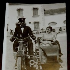 Postales: FOTO POSTAL DE MOTOCICLETA CON SIDECAR - FOTO LEONOR - NO CIRCULADA.. Lote 41239618