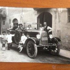 Postales: POSTAL FOTOGRÁFICA DE CAPELLADES CALLE DEL PILAR COCHE FIAT TORPEDO CON FAMILIA 1924 AGOSTO. Lote 47090921