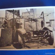 Postales: (FOT-1509)FOTOGRAFIA DE AUTOBUS INCENDIADO,COCHERA DE LUTXANA EN POBLENOU. Lote 56938369
