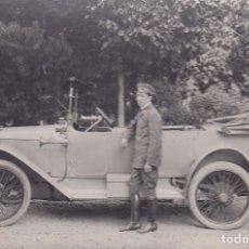 Postales: COCHE ANTIGUO. MATRÍCULA BARCELONA. B. 1-688. POSTAL BLANCO Y NEGRO, SIN CIRCULAR, C. 1915.. Lote 68360253