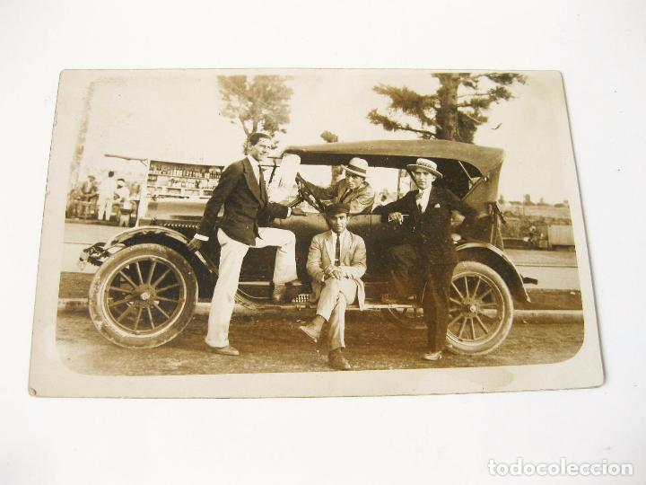 FOTOGRAFIA POSTAL DE LOS AÑOS 20 DE UN FORD T PHAETON (Postales - Postales Temáticas - Coches y Automóviles)