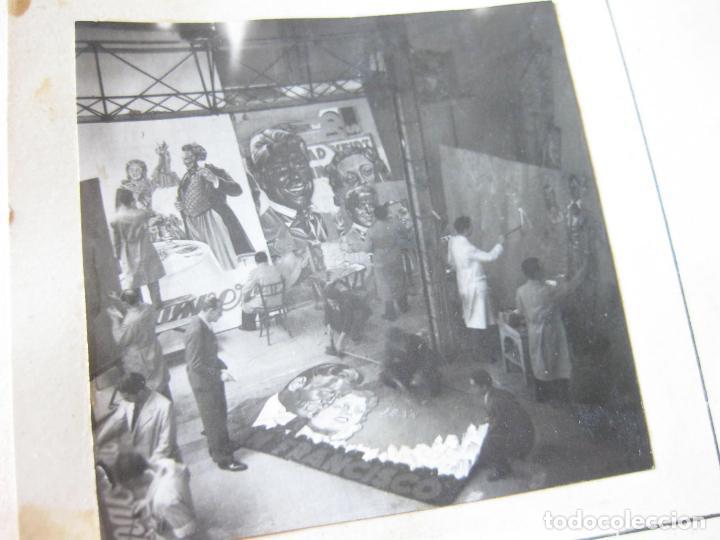 Postales: FOTOGRAFIA DE UN ESTUDIO DE PINTURA DE CARTELES DE CINE - Foto 2 - 105183583