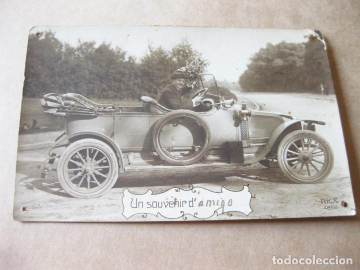 FOTOGRAFIA POSTAL DE UN AUTOMOVIL ANTIGUO MARCA RENAULT (Postales - Postales Temáticas - Coches y Automóviles)