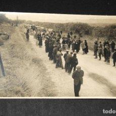 Postales: TARJETA POSTAL FOTOGRAFIA COCHES EN CARRERAS. Lote 116515135