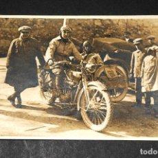 Postales: TARJETA POSTAL FOTOGRAFIA MOTOS EN CARRERAS. Lote 116518179