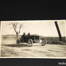 Postales: TARJETA POSTAL FOTOGRAFIA COCHES EN CARRERAS. Lote 116902419