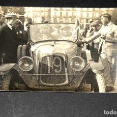 Postales: TARJETA POSTAL FOTOGRAFIA COCHES EN CARRERAS. Lote 117973963